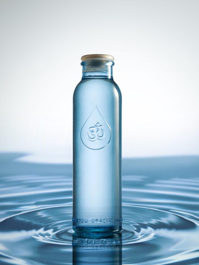 Nuevo formato mini de la botella OmWater Gratitude